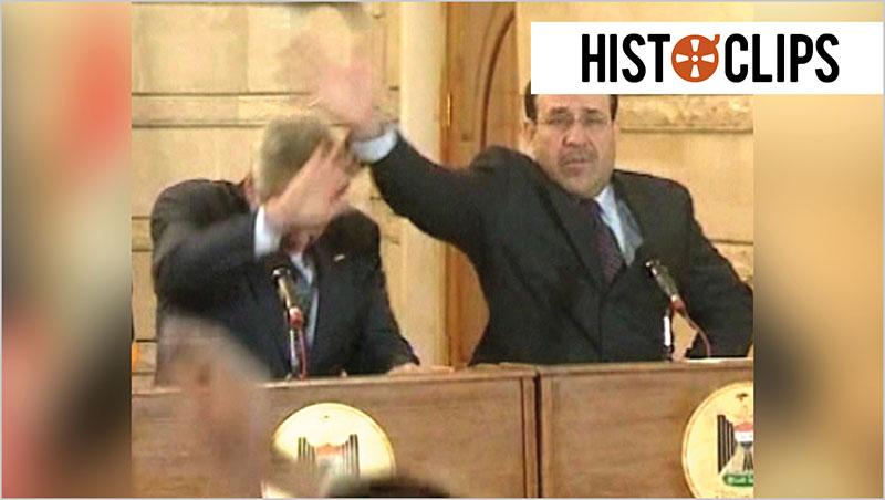 Muntazer al-Zaidi wirft Schuh auf George W. Bush